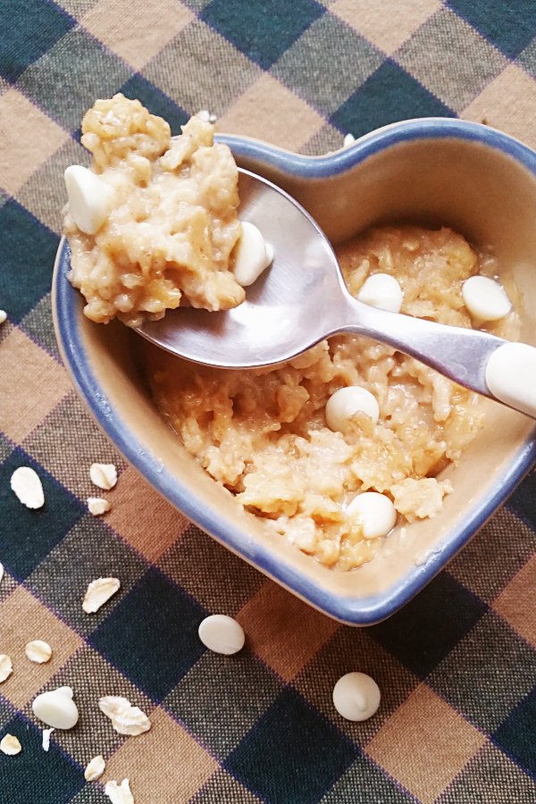peanut-butter-white-chocolate-oatmeal-2