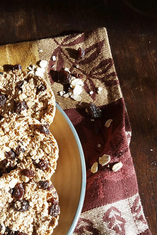 oatmeal-raisin-muffins-4