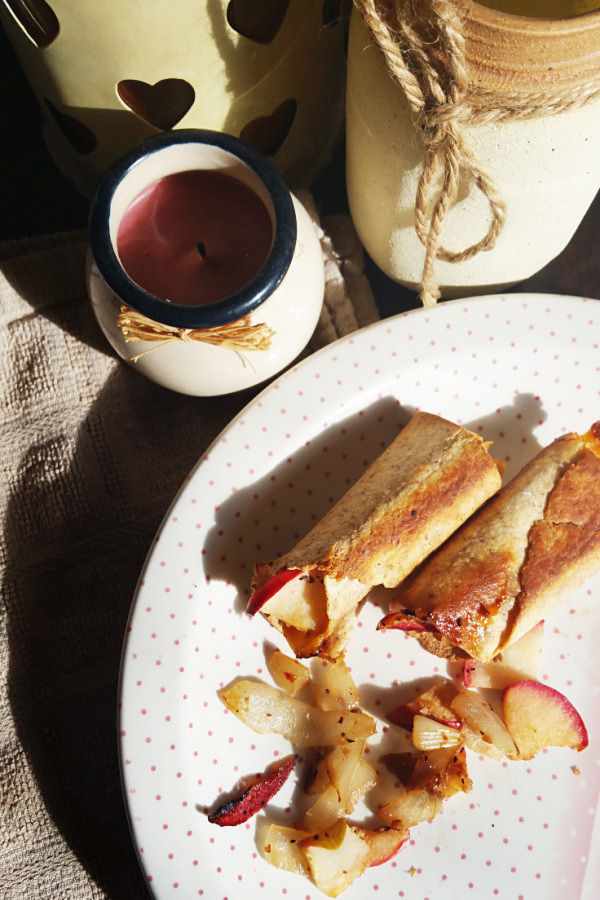 apple-and-onion-baked-taquitos-1
