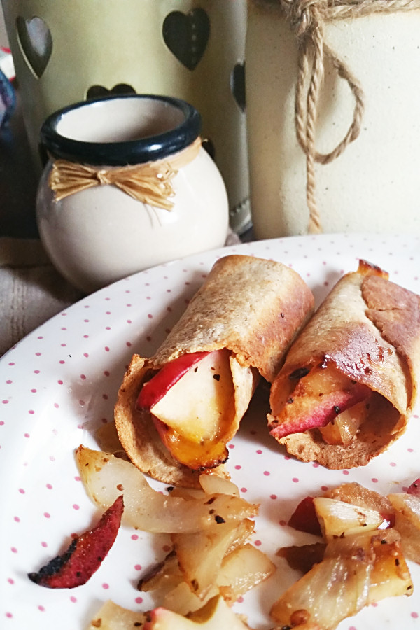 apple-and-onion-baked-taquitos-2