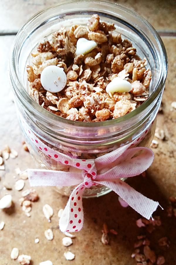 cinnamon-bun-granola-3