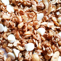 cinnamon-bun-granola-thumb
