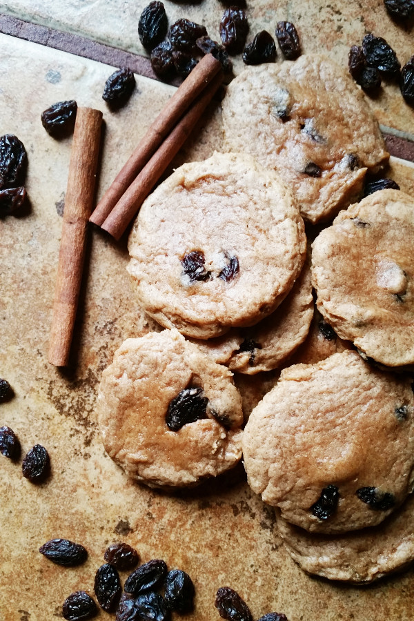 cinnamon-raisin-peanut-butter-cookies-2