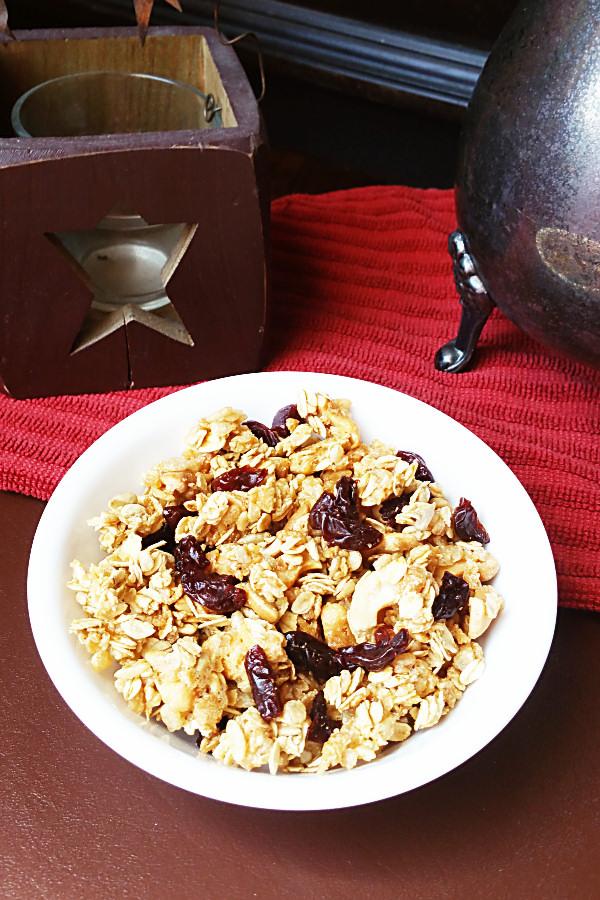 cherry-vanilla-granola-1