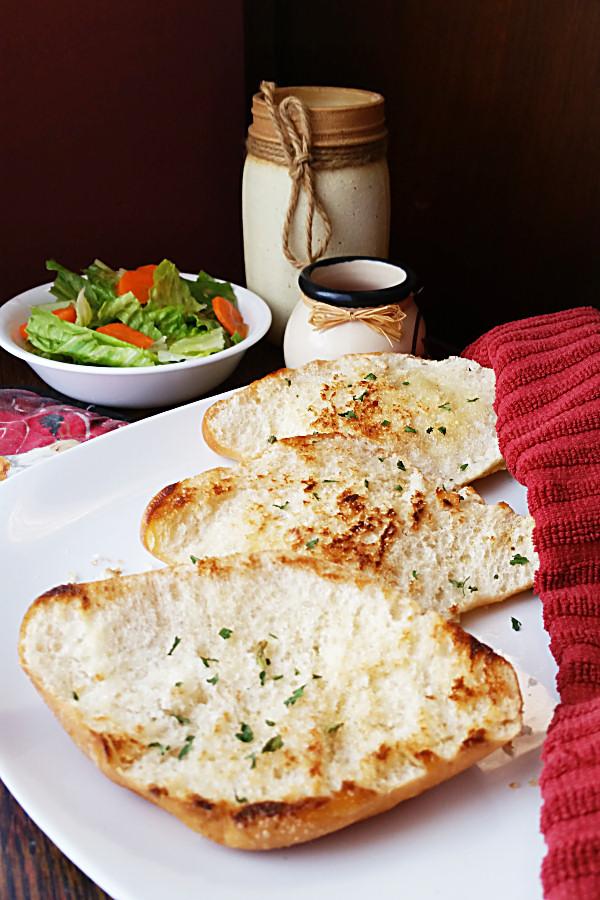 grilled-garlic-bread-1