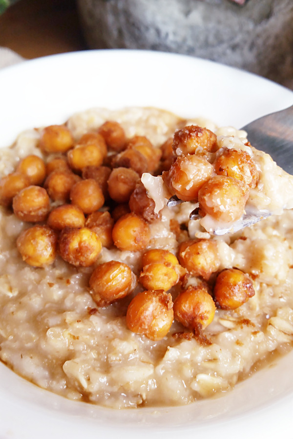 savory-oats-with-chickpeas-in-peanut-sauce-2