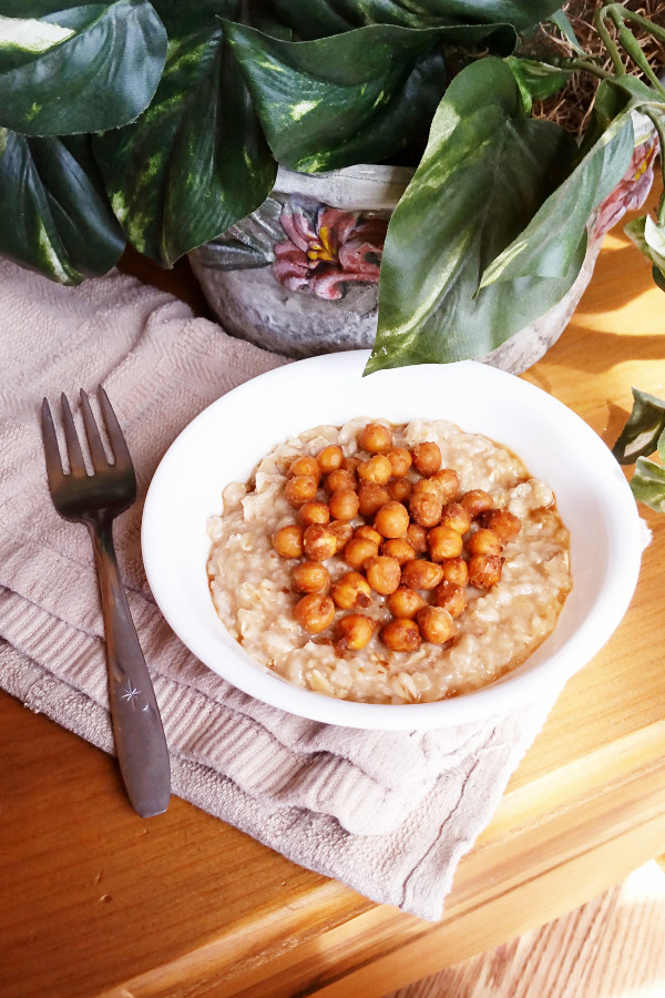 savory-oats-with-chickpeas-in-peanut-sauce-3
