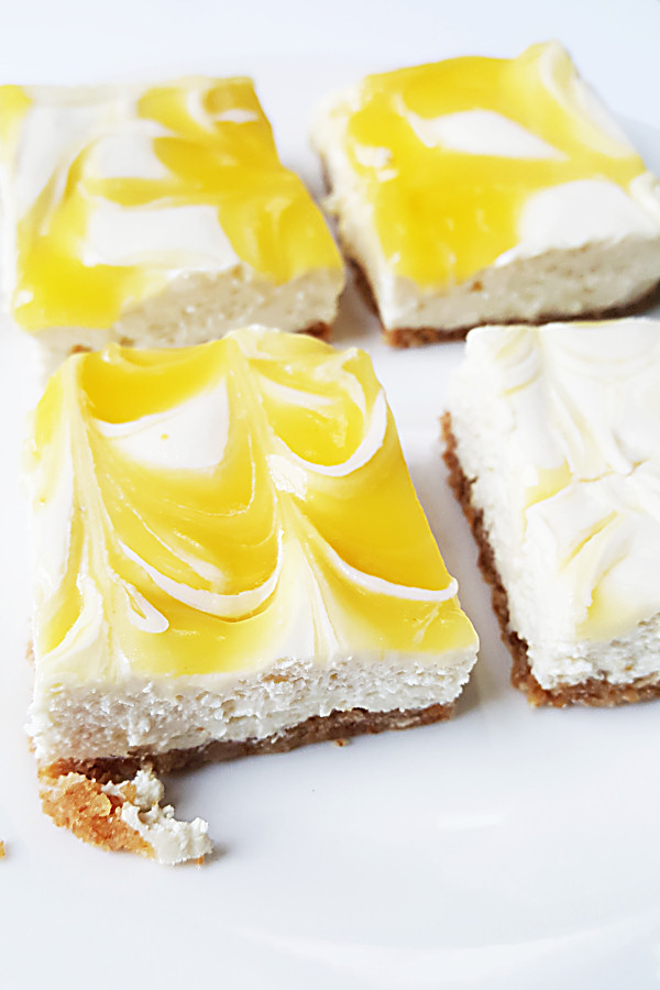 lemon-swirl-cheesecake-bars-3